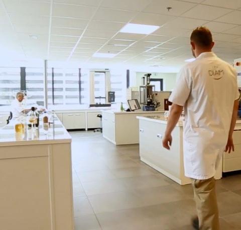 Un Pôle œnologique au cœur du département R&D de Diam Bouchage
